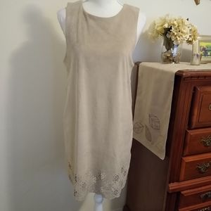 Size M Alya (Francesca's Collections) tan dress